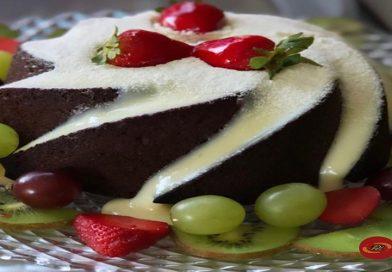bolo-vulcao-morango-uvas